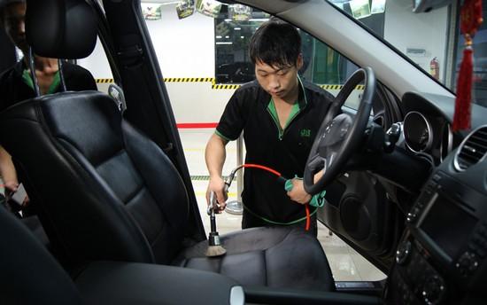 车蜡种类繁多如何选择 正确打蜡方式