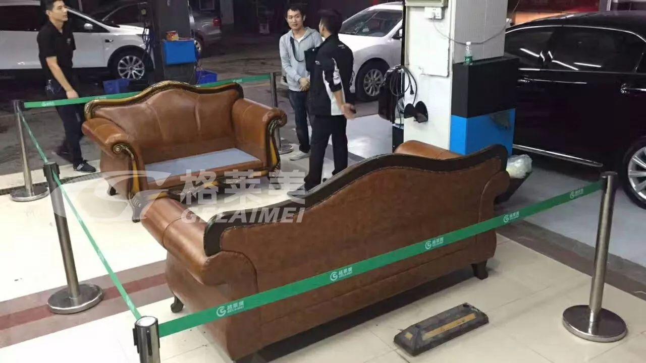 啥情况?车主在门店做完保养之后拉来了3套真皮沙发!