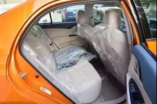 """""""新车座椅为什么都要套上塑料膜?这个原因你不得不知!"""""""