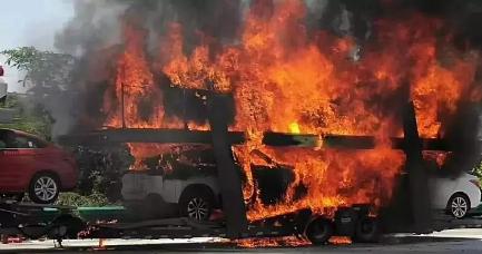 夏季高温引发运输途中新车自燃,汽车自燃不得不防!